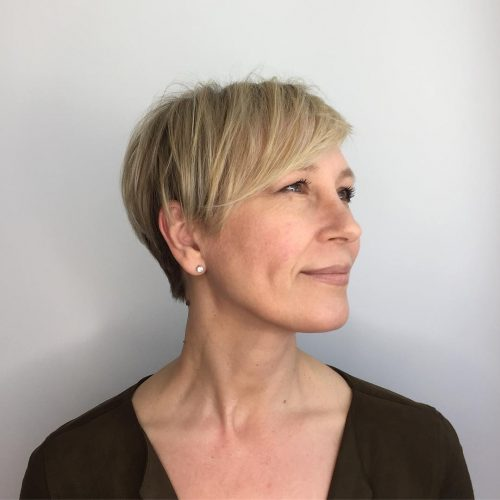 21 Flattering Short Haircuts for Oval Faces