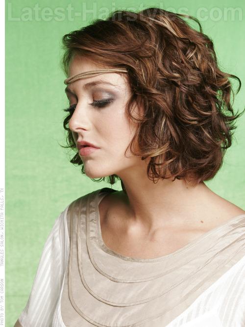 38 Effortlessly Chic Medium Wavy Hairstyles