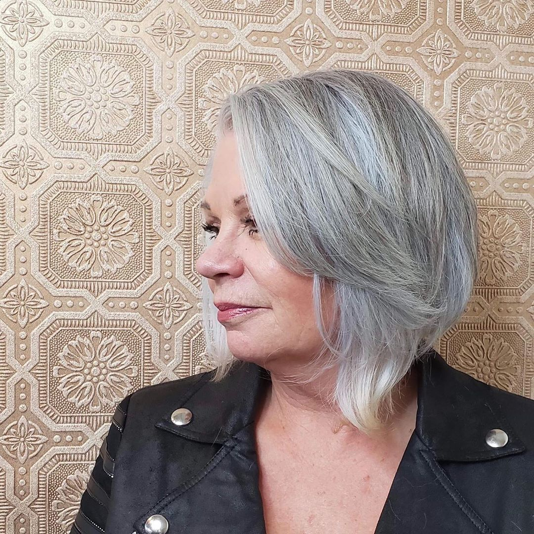 15 Slimming Short Hairstyles for Women Over 50 with Round Face Shapes