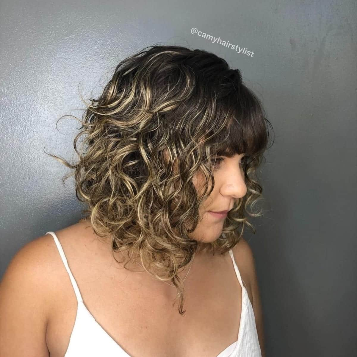 23 Best Angled Bob with Bangs Hairstyles You Gotta See