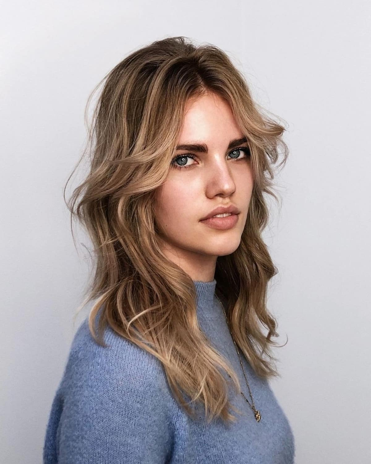 21 Curtain Bangs to Flatter Every Face Shape and Hair Type (2021 Trend Alert)