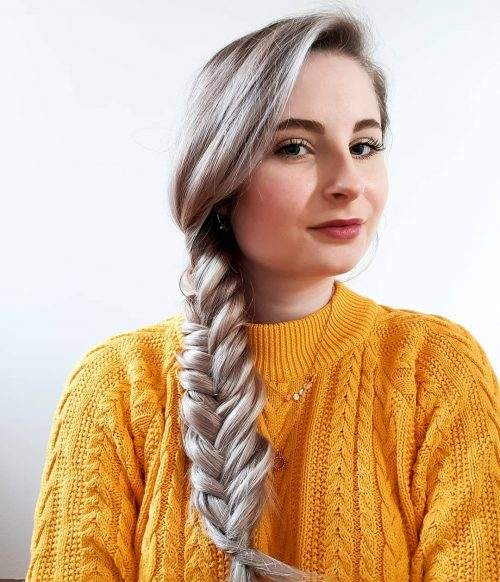 25 Professional Hairstyles For Every Type of Workplace