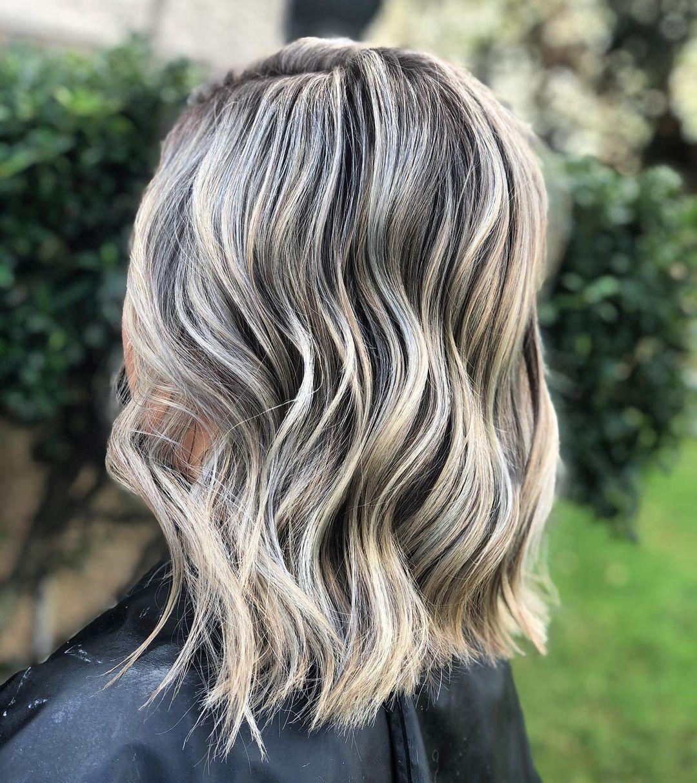 21 Stunning Photos of Dark Brown Hair with Blonde Highlights