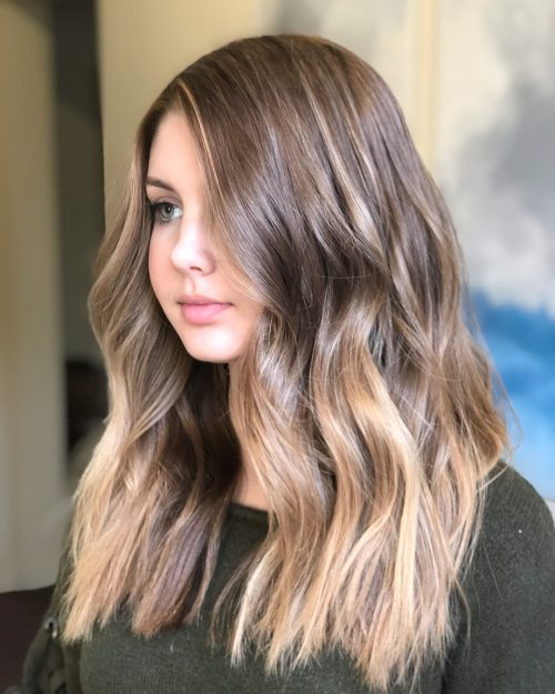 18 Most Flattering Long Hairstyles for Round Faces