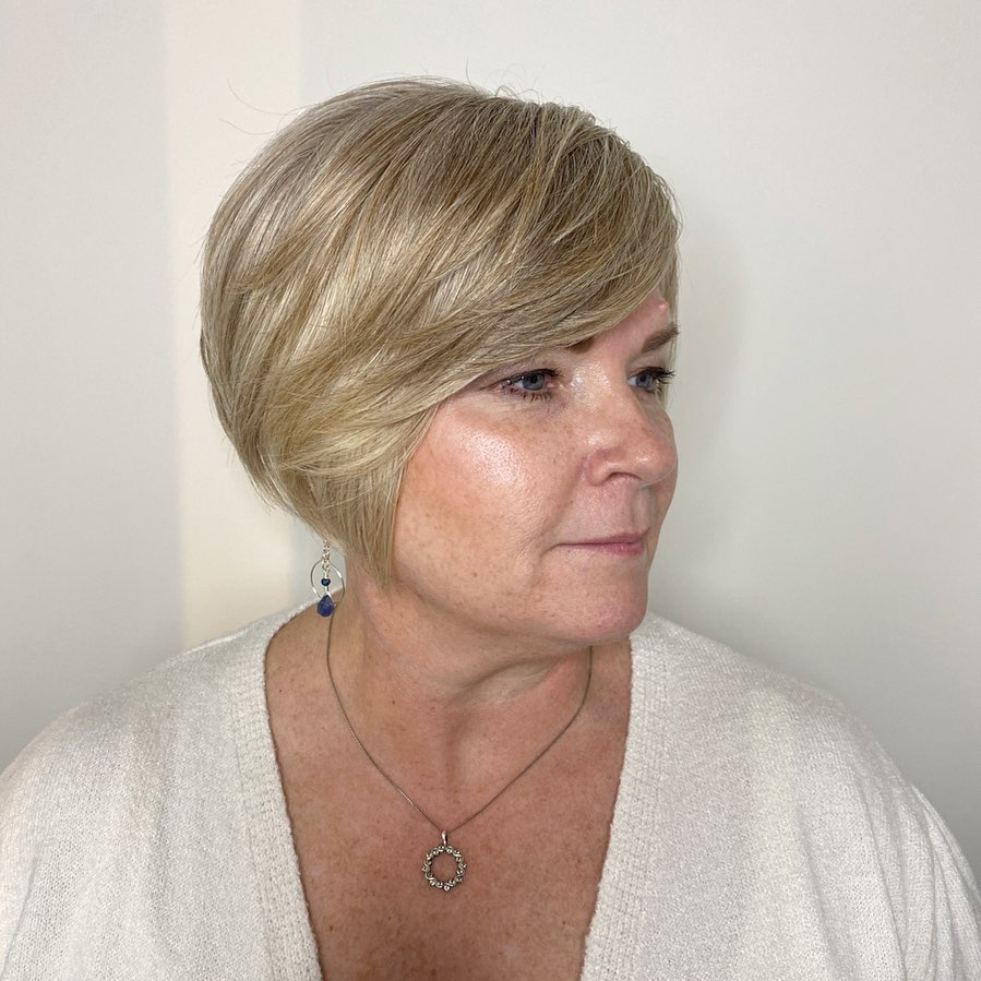 18 Volume-Boosting Haircuts for Older Women With Thin Hair