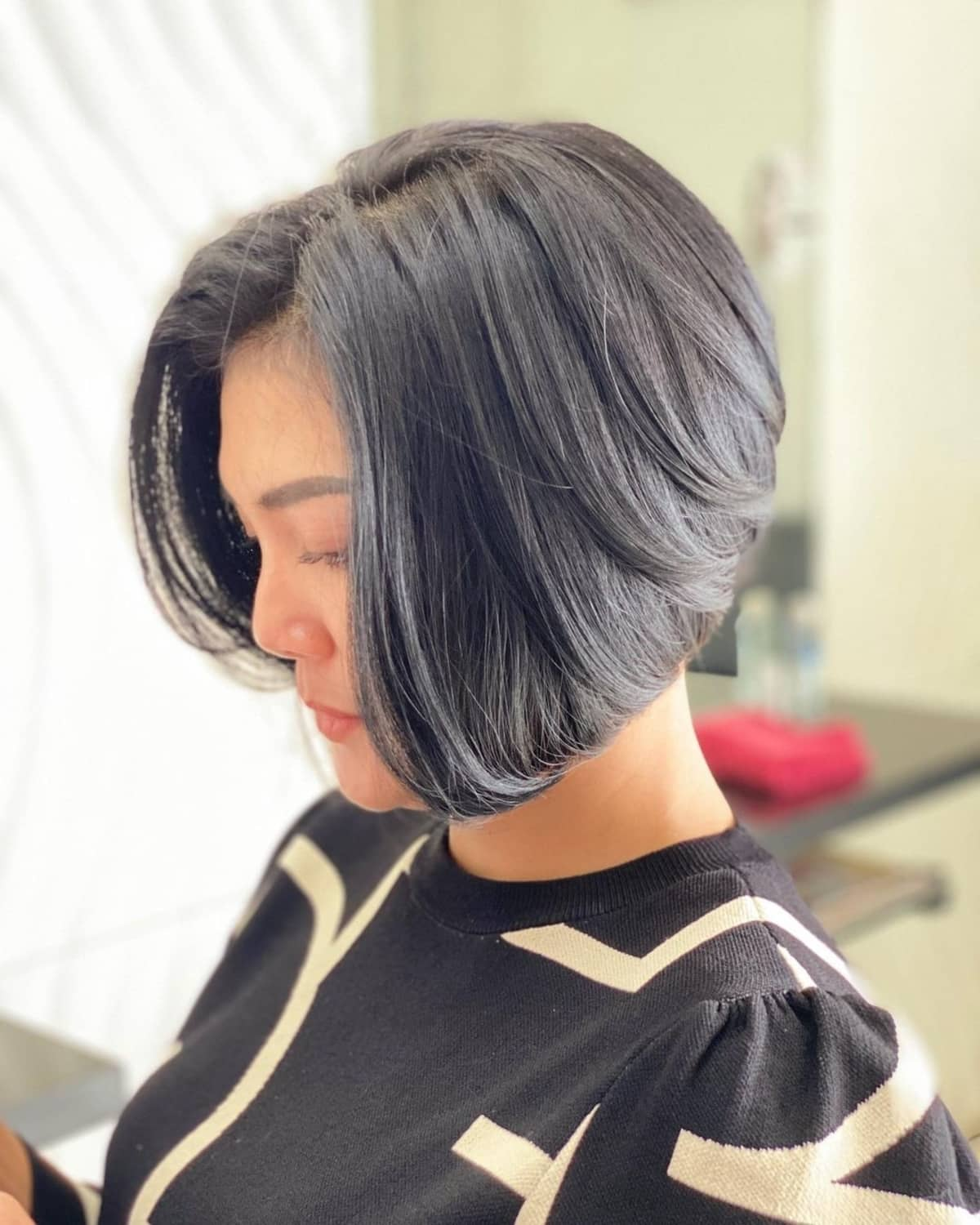 36 Hottest Graduated Bob Haircuts Right Now