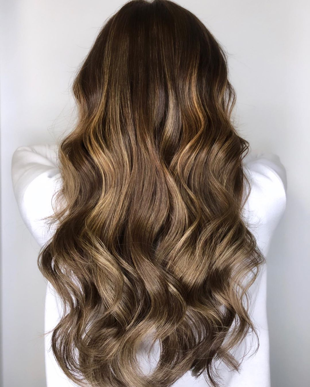 Light Golden Brown Hair Color: What It Looks Like & 15 Trendy Ideas