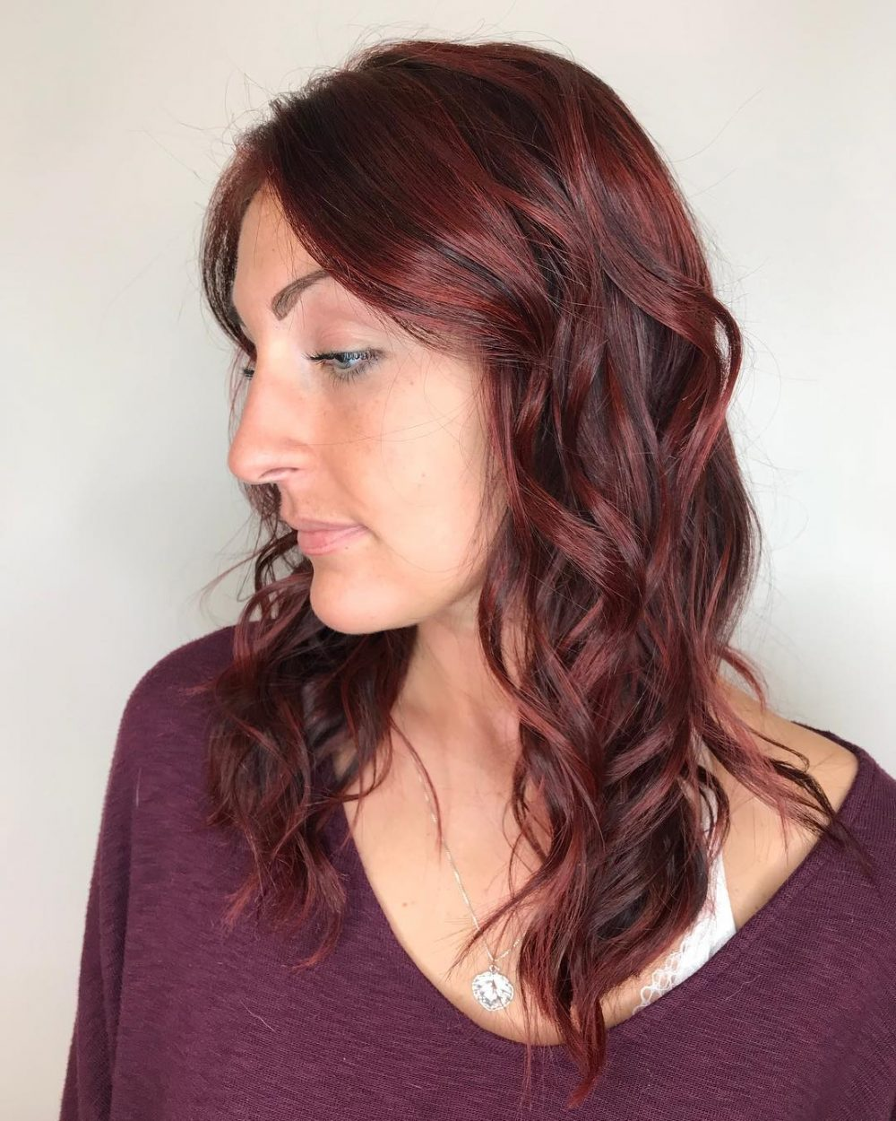 27 Medium Length Hairstyles & Haircuts for Square Shaped Faces