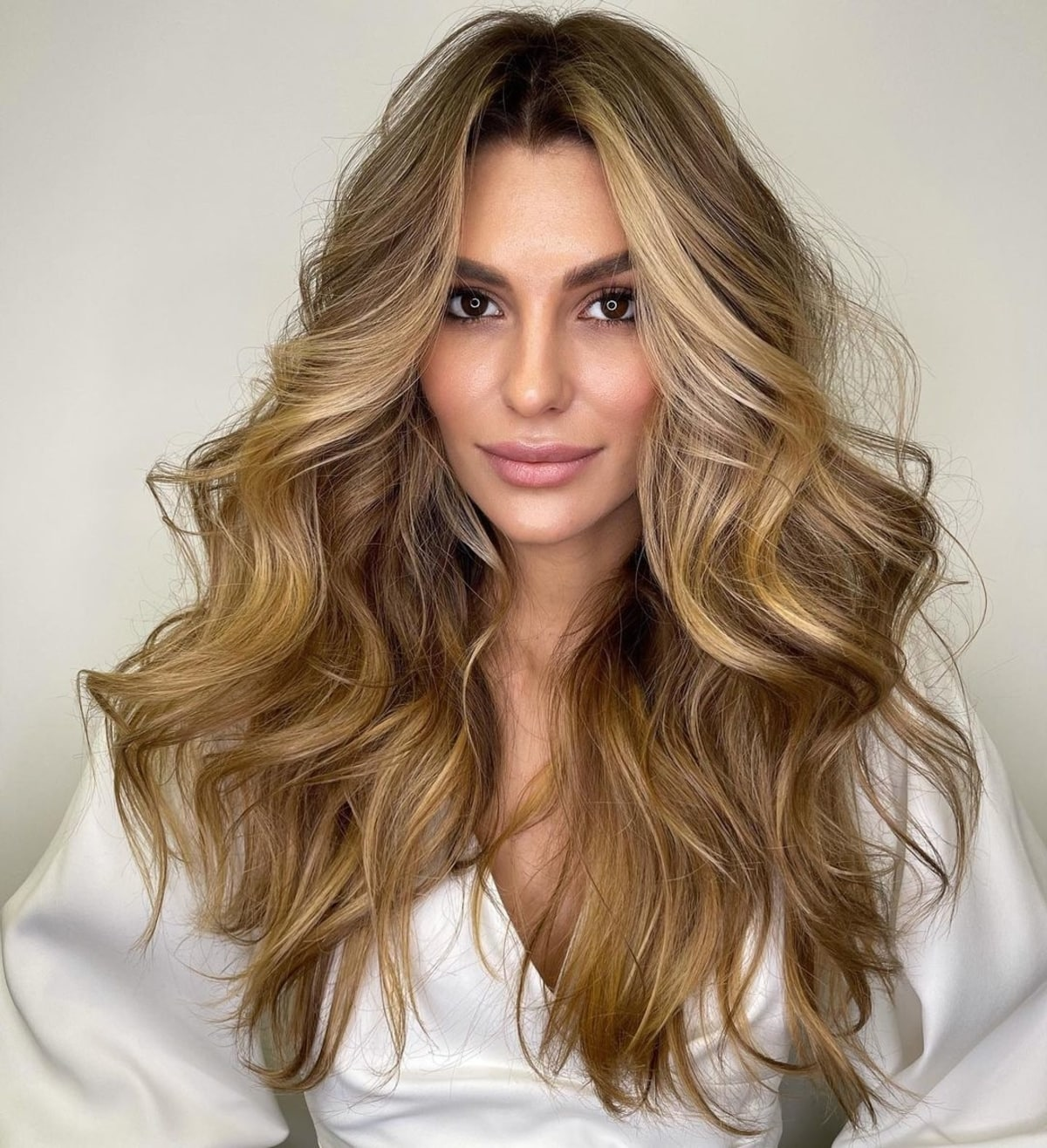 21 Middle Part Hairstyles That Will Flatter Anyone