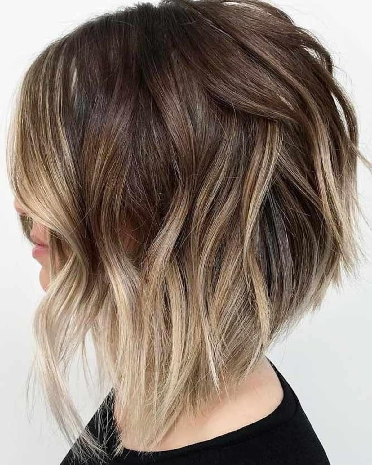 21 Trendiest Long Shaggy Bob Haircuts for Carefree Women