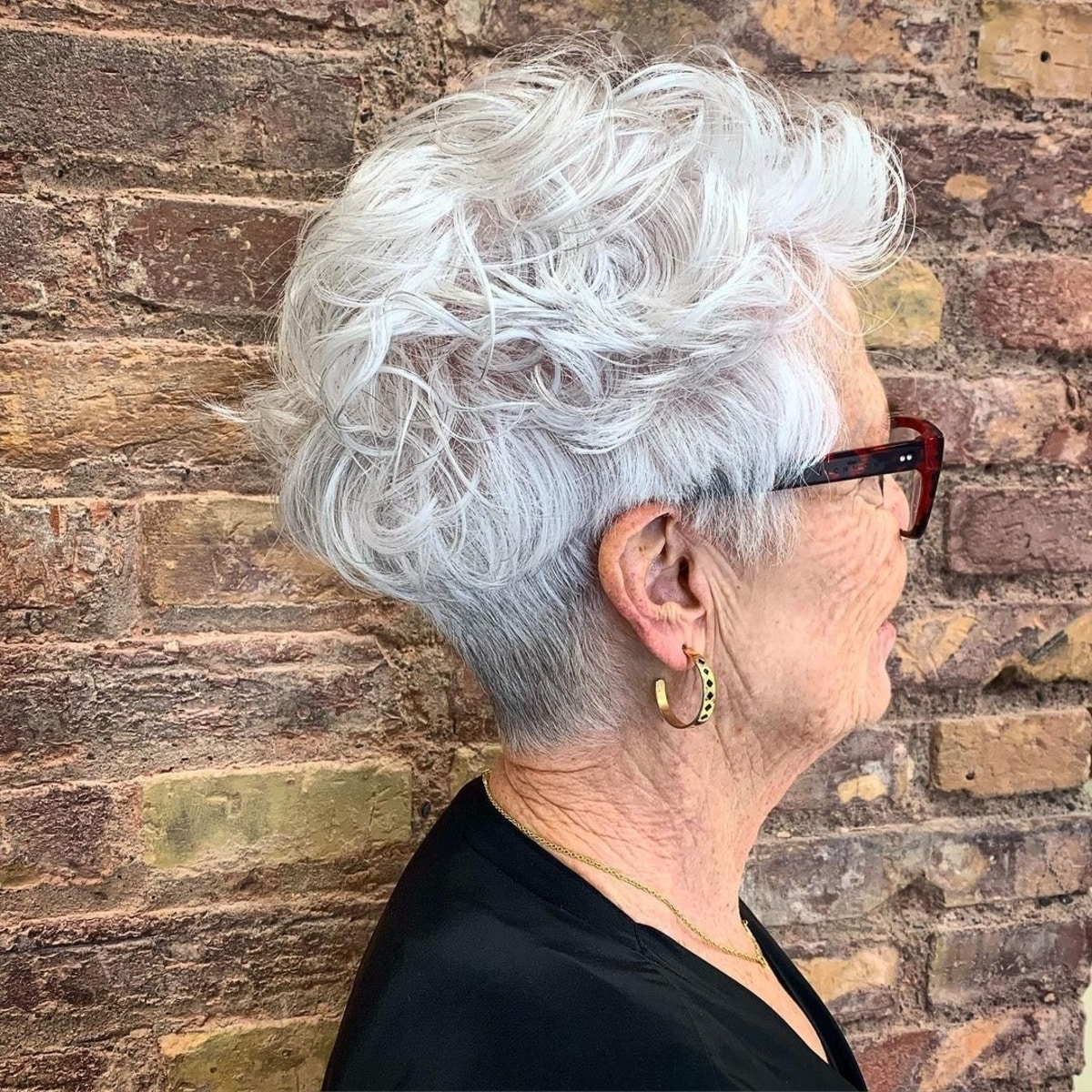 15 Best Pixie Haircuts for Women Over 60 (2021 Trends)