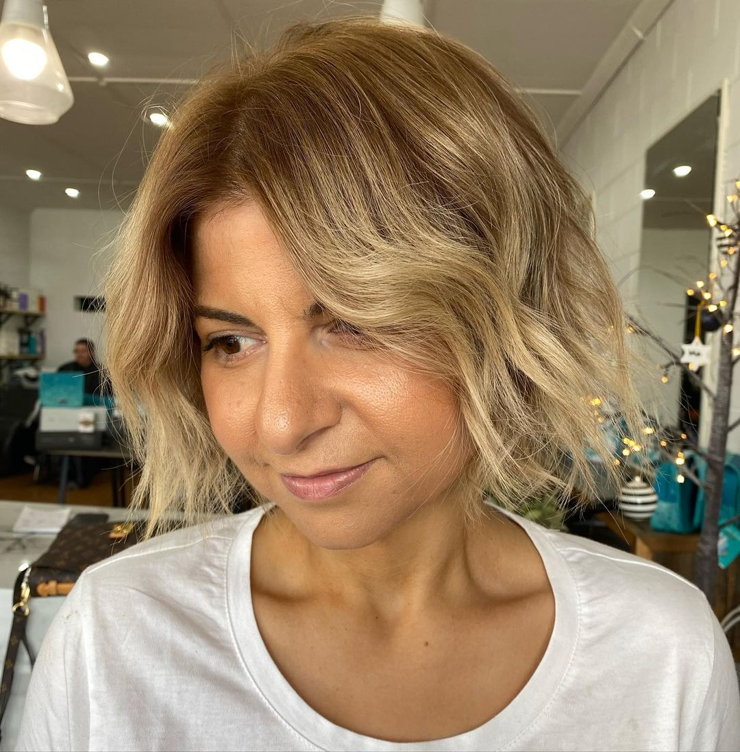 28 Most Flattering Short Hairstyles for Round Faces