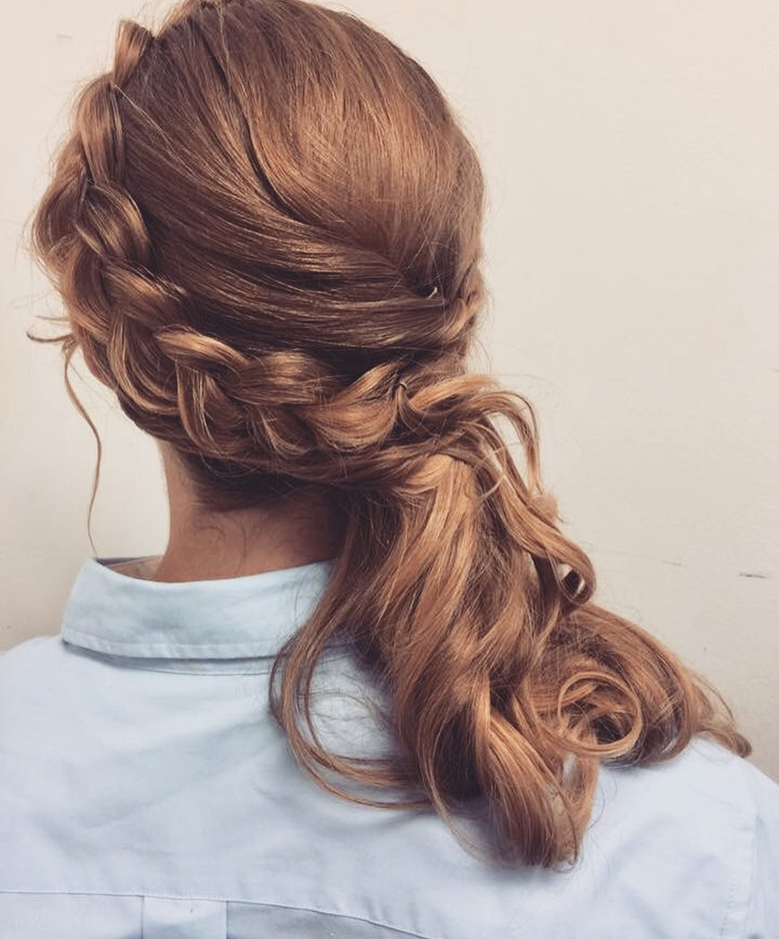 26 of the Hottest Side Swept Hair Ideas to Try