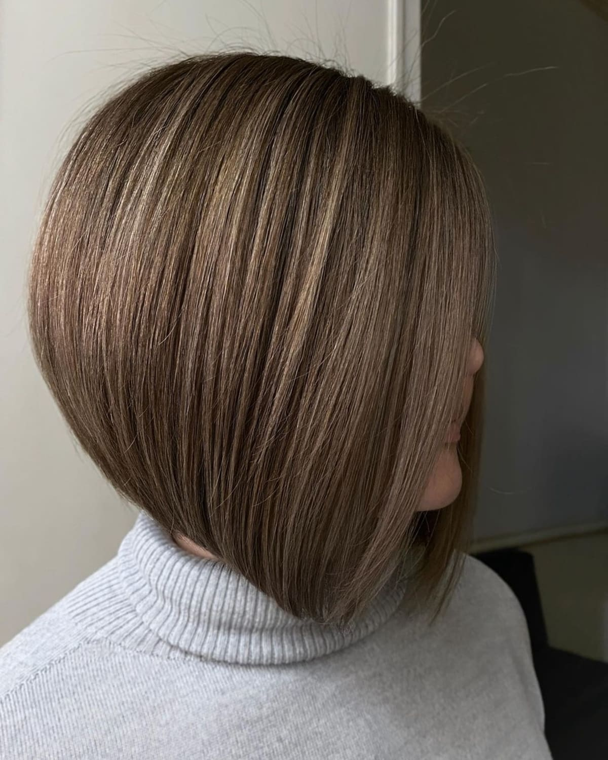 39 Inverted Bob Haircuts Trending Right Now