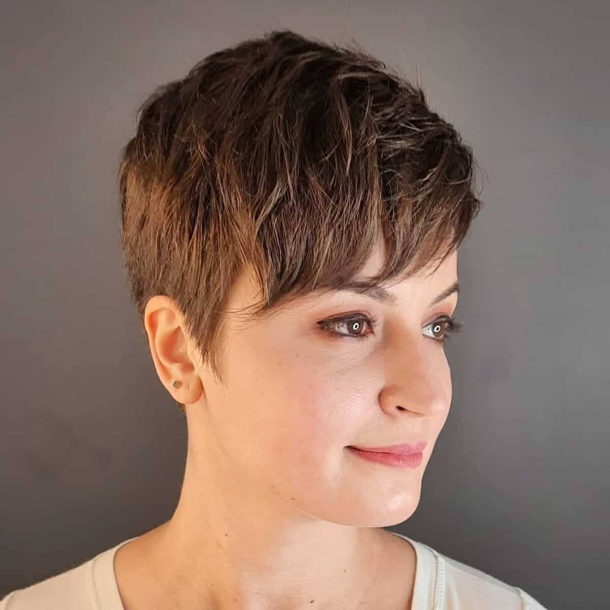19 Best Very Short Haircuts for Women This Year