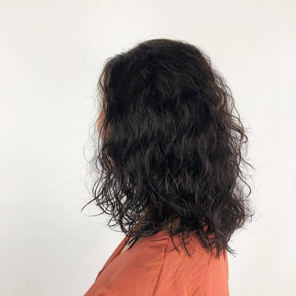 18 Wavy Perm Hairstyle Ideas for a Stylish, Beachy Look