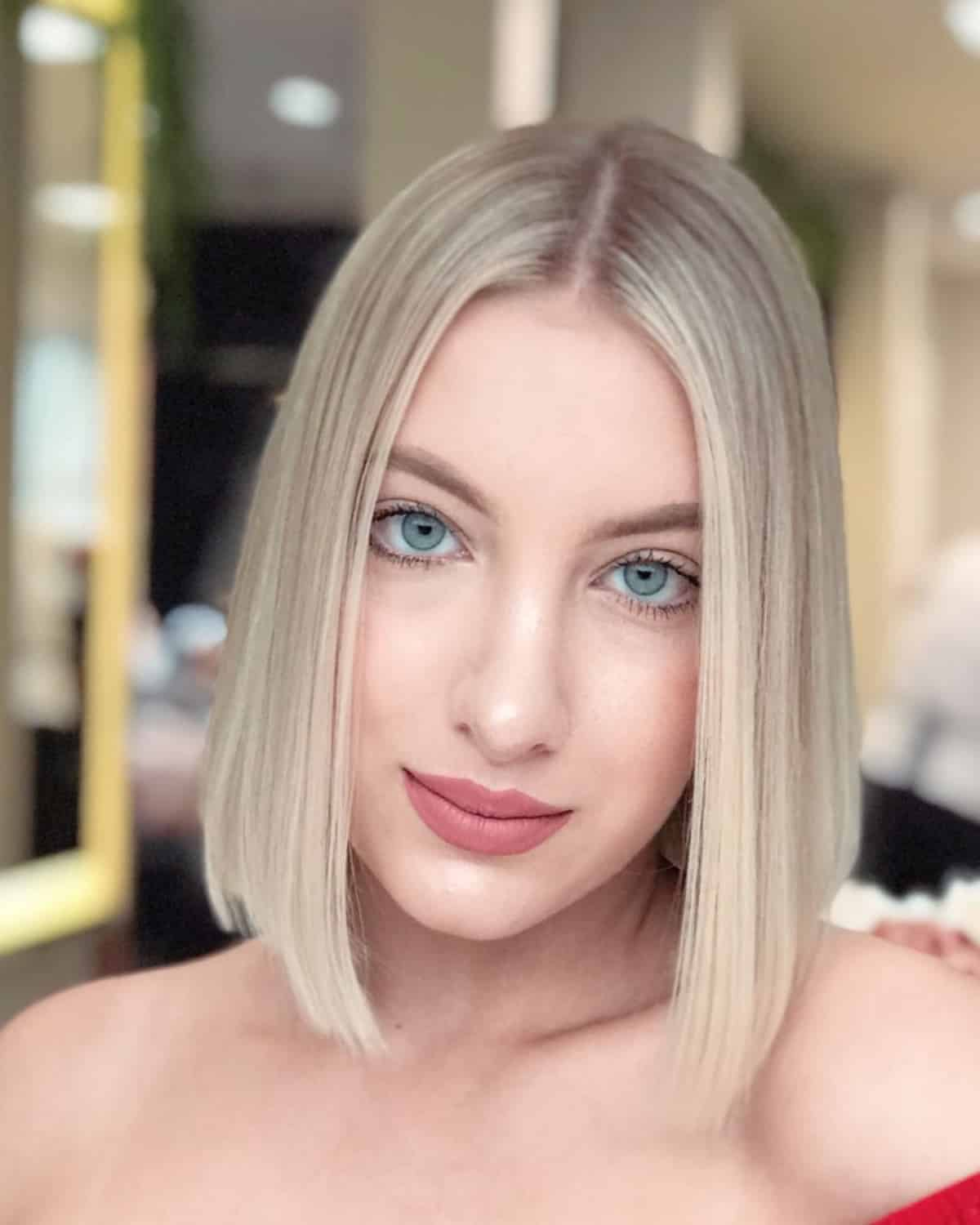 These 17 Blunt Cut Bob Haircuts at Totally Trending Right Now