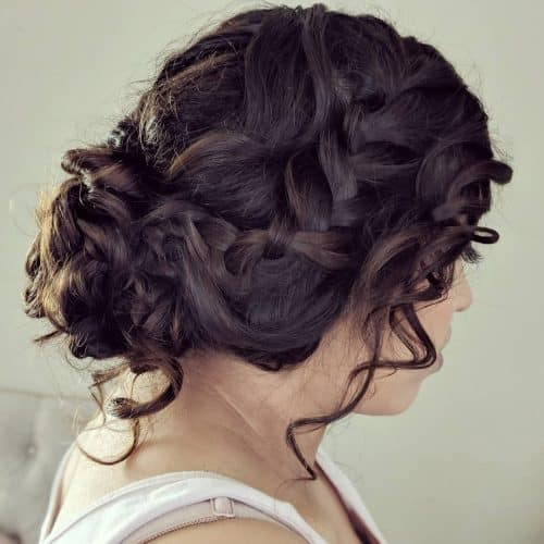 18 Stunning Quinceanera Hairstyles to Consider